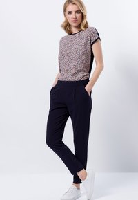 zero - Trousers - dark blue - 1