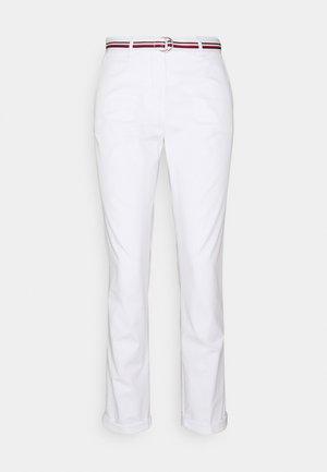 CHINO SLIM PANT - Chinos - white