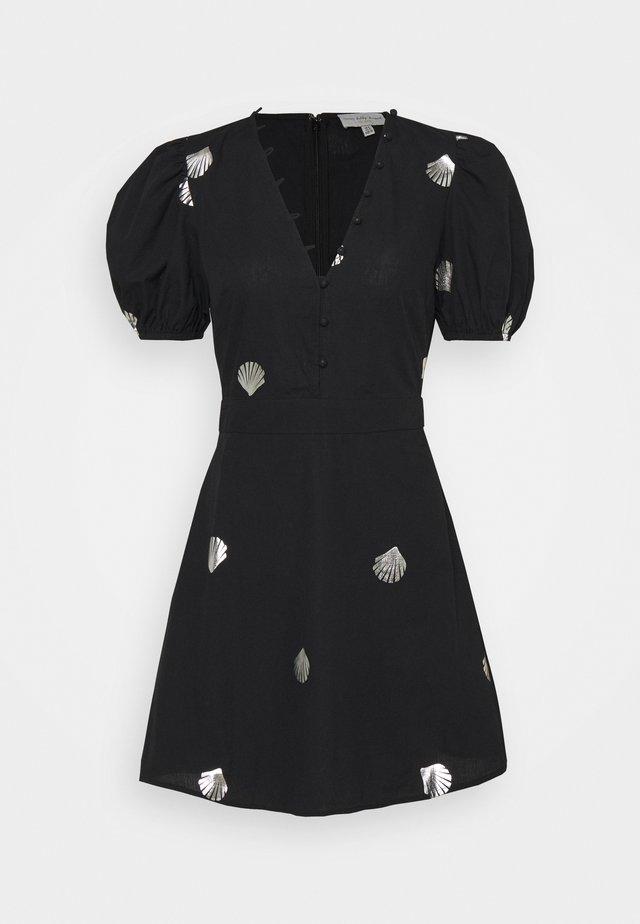 MINI DRESS WITH SHELLS AND STAR FISH - Abito a camicia - black