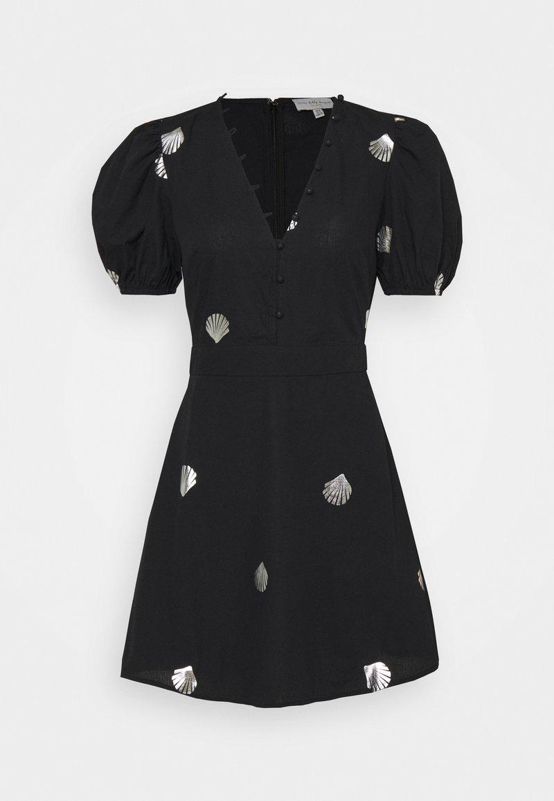 Never Fully Dressed - MINI DRESS WITH SHELLS AND STAR FISH - Košilové šaty - black