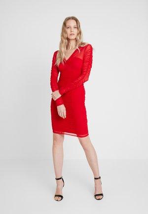 ADRIANNA DRESS - Shift dress - cravos
