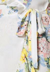 ONLY - ONLALMA LIFE WRAP DRESS - Day dress - cloud dancer/summer botanic - 5