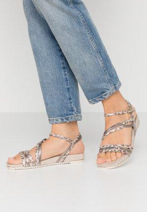 Sandály - ivory