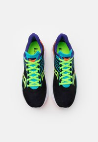 Saucony - KINVARA 12 - Neutral running shoes - future black - 3