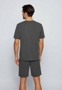 BOSS - Nachtwäsche Shirt - dark green - 2