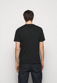 PS Paul Smith - MENS REGULAR FIT LIGHTNING - Print T-shirt - black - 2