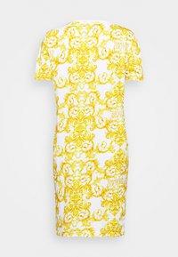 Versace Jeans Couture - LADY DRESS - Žerzejové šaty - optical white - 7