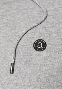 Anerkjendt - AKNIGEL ORGANIC HOODIE - Sweatshirt - light grey melange - 4