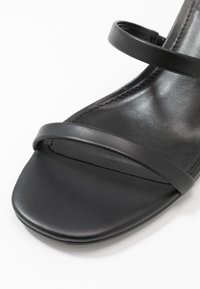 Steve Madden - ISSY - Heeled mules - black - 2