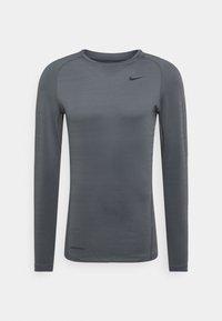 Nike Performance - WARM CREW - Sports shirt - iron grey/black - 0