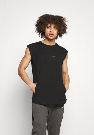 DROP SHOULDER - T-shirt imprimé - black