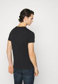 Replay - TEE - Basic T-shirt - black - 2