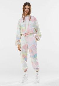 Bershka - Teplákové kalhoty - pink - 1