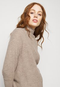 Club Monaco - EMMA  - Jumper - chestnut - 3