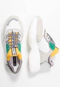 Bronx - BAISLEY - Trainers - white/yellow/silver - 3