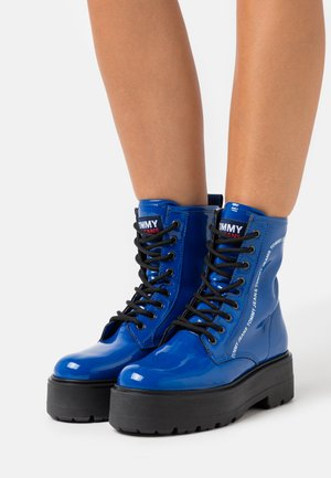 LACE UP BOOT - Platform ankle boots - providence blue