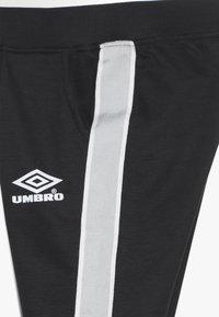 Umbro - EROS JOGPANT - Jogginghose - stretch limo/bright white/dew - 3