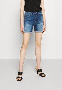 ONLY - ONLPAOLA LIFE - Denim shorts - medium blue denim - 0