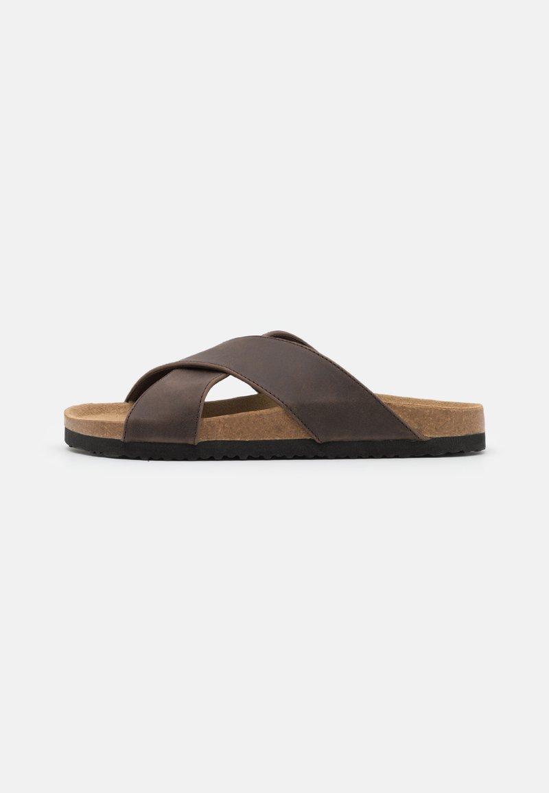 Pier One - Pantofle - brown