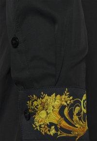 Versace Jeans Couture - BRISCOLA - Shirt - black - 6