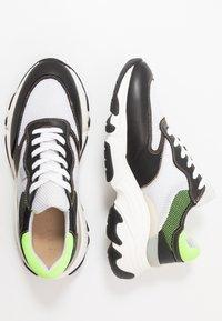 Pregis - KAYO - Trainers - white/green/black - 1