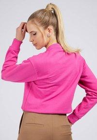 Guess - KARIDA  - Sweatshirt - fuchsia - 2