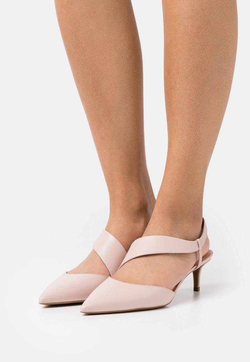 MICHAEL Michael Kors - JULIET FLEX KITTEN - Classic heels - soft pink