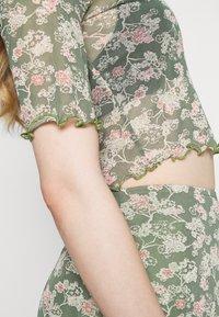 Fashion Union - DREW - T-shirts med print - multi - 5