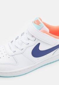Nike Sportswear - COURT BOROUGH 2  - Baskets basses - white/dark purple dust/copa/bright mango - 5