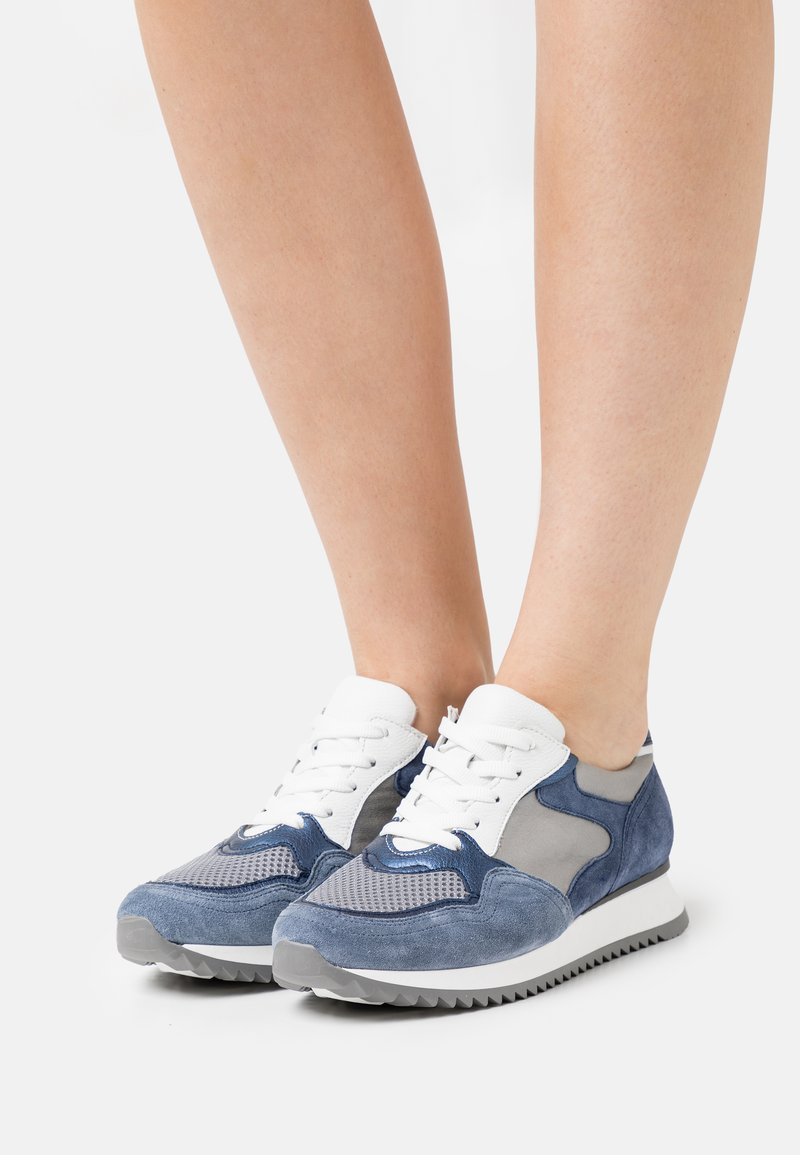 Gabor Comfort - Sneakers laag - jeans/grey/weiß