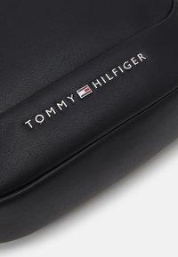Tommy Hilfiger - MINI REPORTER - Across body bag - black - 4