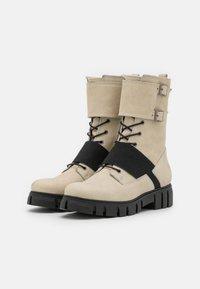 Felmini - SAURA - Šněrovací kotníkové boty - morat/off white/black - 2