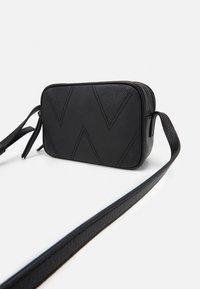 WEEKEND MaxMara - OTTOBRE - Across body bag - black - 3