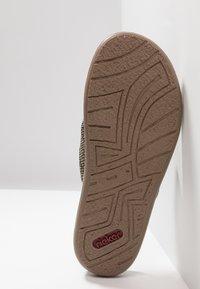 Rieker - T-bar sandals - brasil/fango - 4