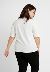 Lee Plus - TEE - T-shirt z nadrukiem - off white - 2