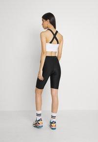 Monki - EDDA SHINY - Shorts - black dark - 2
