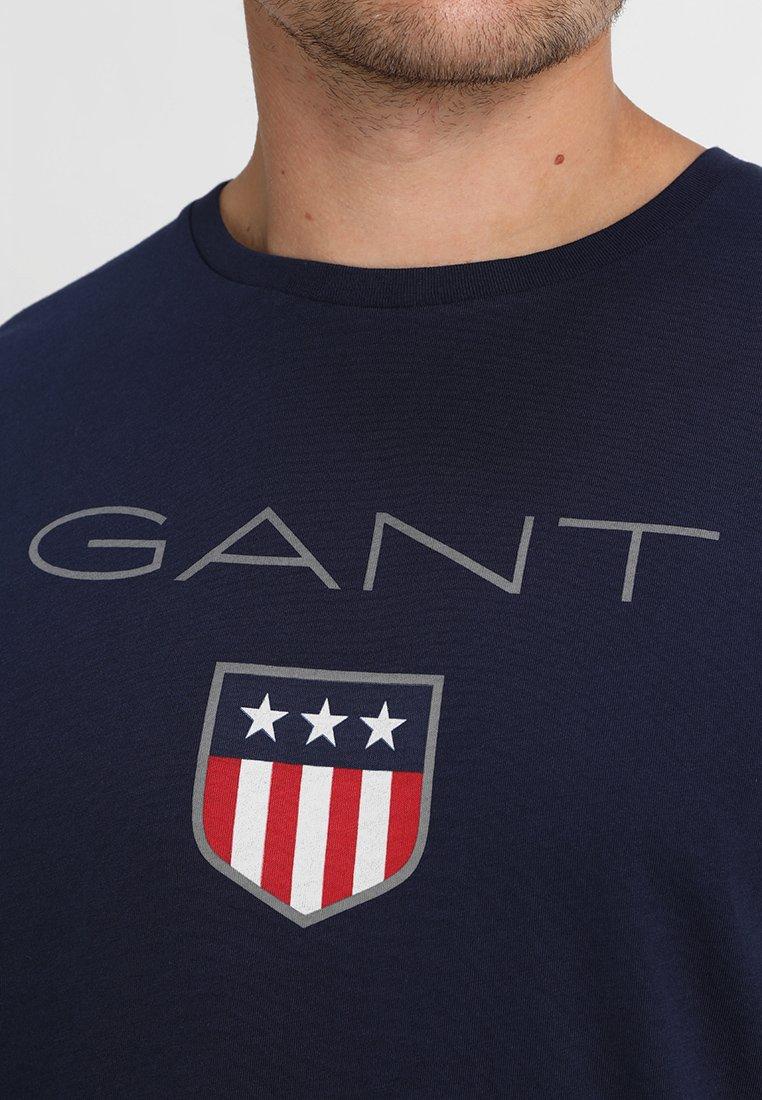 Gant Shield - T-shirts Med Print Evening Blue/mørkeblå
