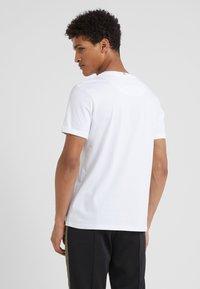 Les Deux - ENCORE  - Print T-shirt - white/black - 2