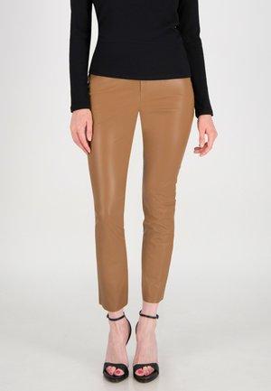Trousers - haselnussbraun