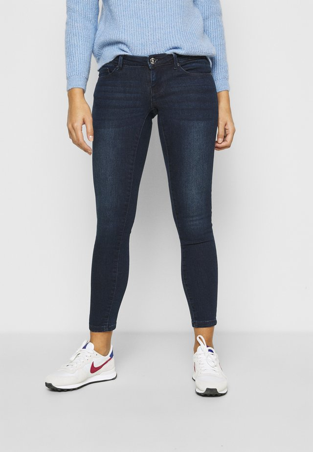 ONLCORAL LIFE  - Vaqueros pitillo - medium blue denim