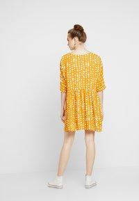 Monki - RINA DRESS - Košilové šaty - yellow dark - 3