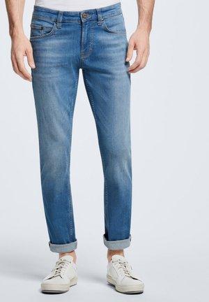 LIAM - Straight leg jeans - bright blue