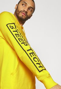 The North Face - STEEP TECH LOGO HOODIE UNISEX - Hoodie - lightning yellow - 3