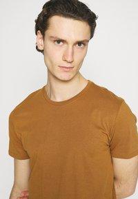 Burton Menswear London - TEE 3 PACK - T-shirt - bas - multi - 7