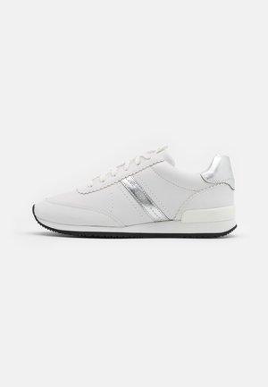 ADRIENNE - Sneaker low - white