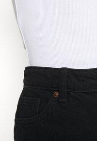 Monki - Szorty jeansowe - black dark - 4