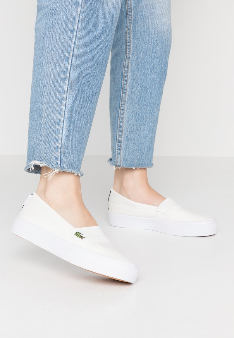 Lacoste - MARICE PLUS GRAND  - Slippers - white/navy