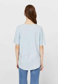 Stradivarius - Basic T-shirt - light blue - 2