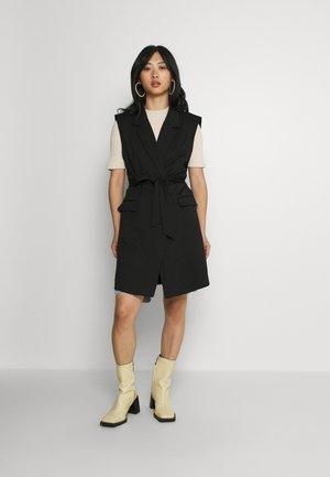 IHKATE TREND - Waistcoat - black