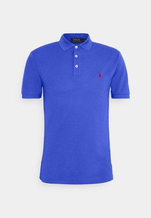 SLIM FIT MODEL - Polo shirt - scottsdale blue